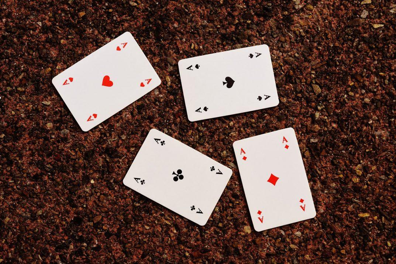 4 cartes as